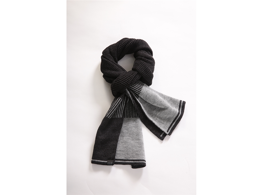 AA235撞色編織圍巾黑