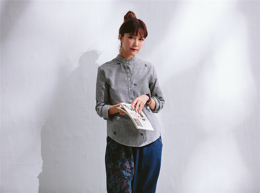 立領小葉刺繡文藝清新百搭寬鬆長袖棉質灰襯衫