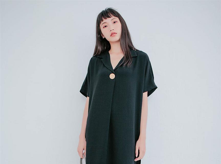 純色V領金釦露肩雪紡短洋裝