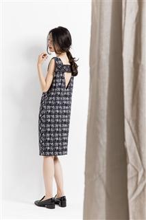 水墨格子露背洋裝