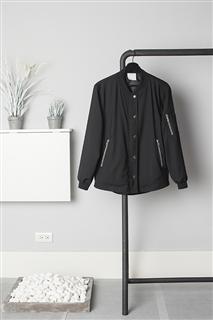 B.L.黑色襯衫式飛行外套