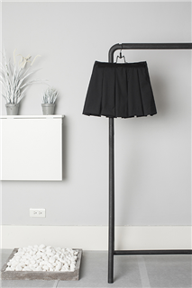 B.L.黑色箱型褶裙