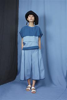 藍拼接短版上衣