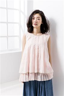 粉色百褶無袖上衣