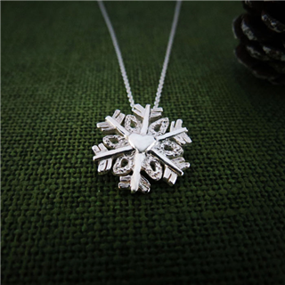 聖誕愛心雪花 (純銀項鍊)