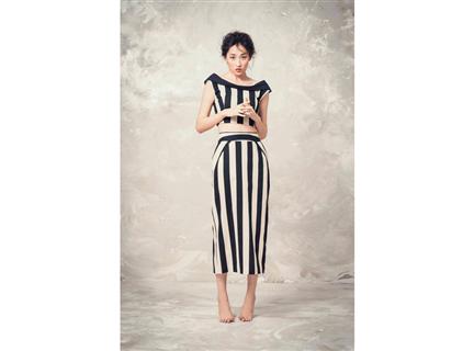 條紋窄裙(黑)