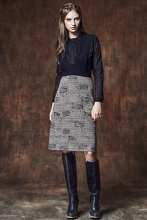 黑咖印花吊帶裙