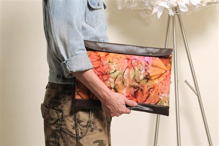 UNIQUE-手做皮革丹寧印花掀蓋式斜側揹/手拿/平板電腦包