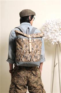 SURVIVOR-手做皮革迷彩丹寧布捲蓋式後揹/筆電包