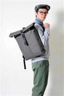 MOSS-手做皮革帆布捲蓋式後揹/筆電包