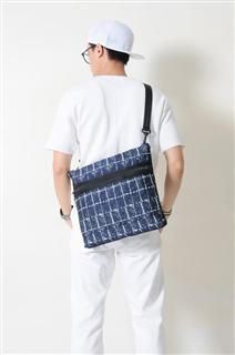 SAPPHIRE-手做格紋棉布斜側揹包/筆電包