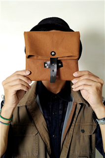 MAPLE SYRUD-手做皮革上膠防水帆布折疊式相機/收納包