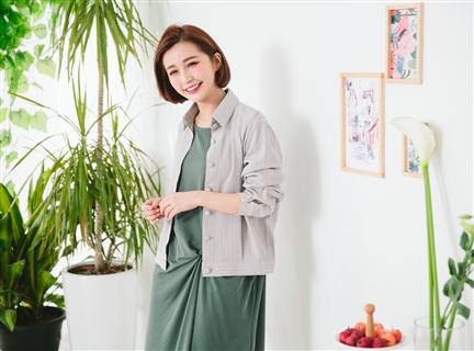 AA268 細條紋短款襯衫外套 灰紫