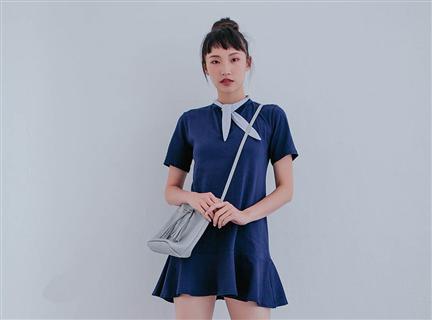 學院風條紋繫帶領荷葉裙擺短洋裝