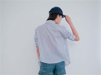 直條紋排釦五分袖襯衫領上衣