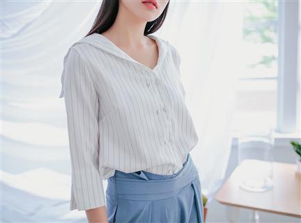V領排扣海軍風披肩領寬鬆直條紋襯衫